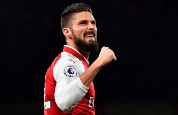 Olivier Giroud leaves for Chelsea after five-and-a-half years at Arsenal