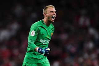 Barcelona keeper Jasper Cillessen moves to Valencia